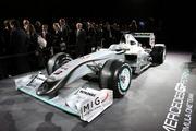 -Formula 1  - Season 2010 - - th 20499 MB190 122 1041lo