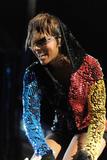 th_71888_celebrity-paradise.com-The_Elder-Keri_Hilson_2010-02-04_-_Pepsi_Super_Bowl_Fan_Jam_in_Miami_375_122_172lo.jpg