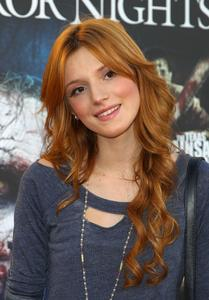 http://img157.imagevenue.com/loc203/th_484686182_BellaThorne_HalloweenHorrorNights_EyegoreAwards_2012_1_122_203lo.jpg