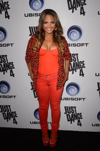 http://img157.imagevenue.com/loc36/th_310367213_ChristinaMilian_JustDance4Launch_14_122_36lo.jpg