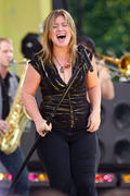 Kelly Clarkson - Ass - Arse - Butt - Bum & Thigh Worship Thread