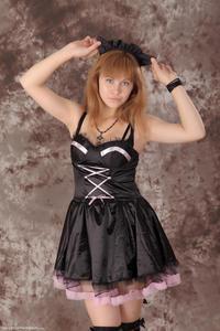 http://img157.imagevenue.com/loc400/th_233117446_Silver_Sandrinya_maid_3_140_122_400lo.jpg