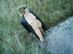http://img157.imagevenue.com/loc478/th_107295814_Sensual_saggy_Nina_gets_horny_when_flashing_in_nature_23_123_478lo.jpeg