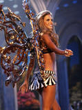 th_07314_fashiongallery_VSShow08_Show-149_122_701lo.jpg